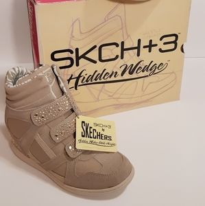 Skechers SKCH+3 Taupe Stud Classic